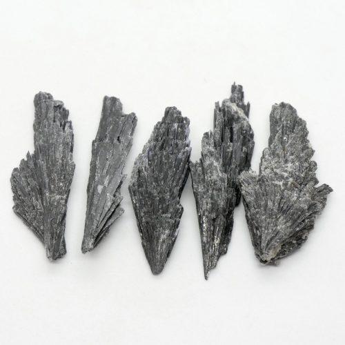 Kyanite_Black_Rough_1-10g 2