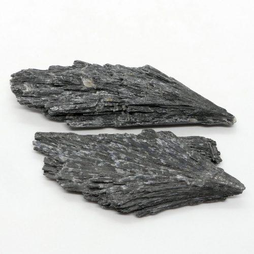 Kyanite_Black_Rough_30-50g 2