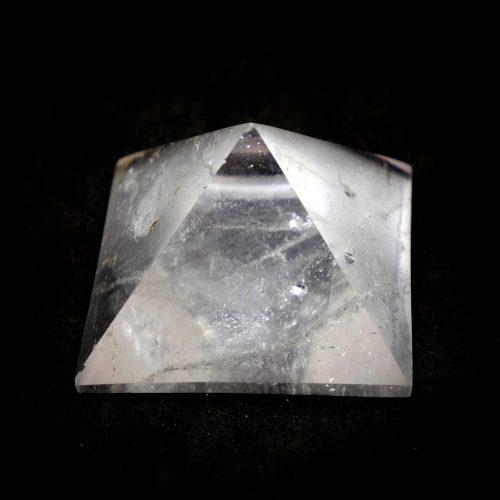 Quartz_Pyramid_50-70g 4-5cm 14