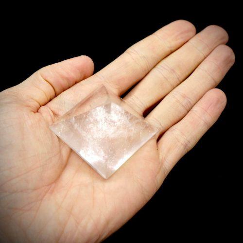 Quartz_Pyramid_50-70g 4-5cm 4